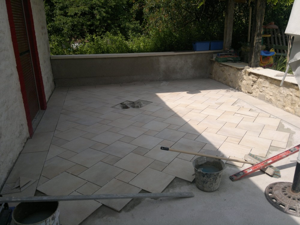 Carreler une terrasse for Pose de carrelage sur terrasse